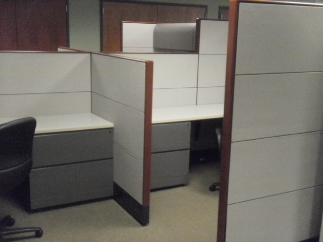 7 215 7 Knoll Reff Cubicles Used Cubicles