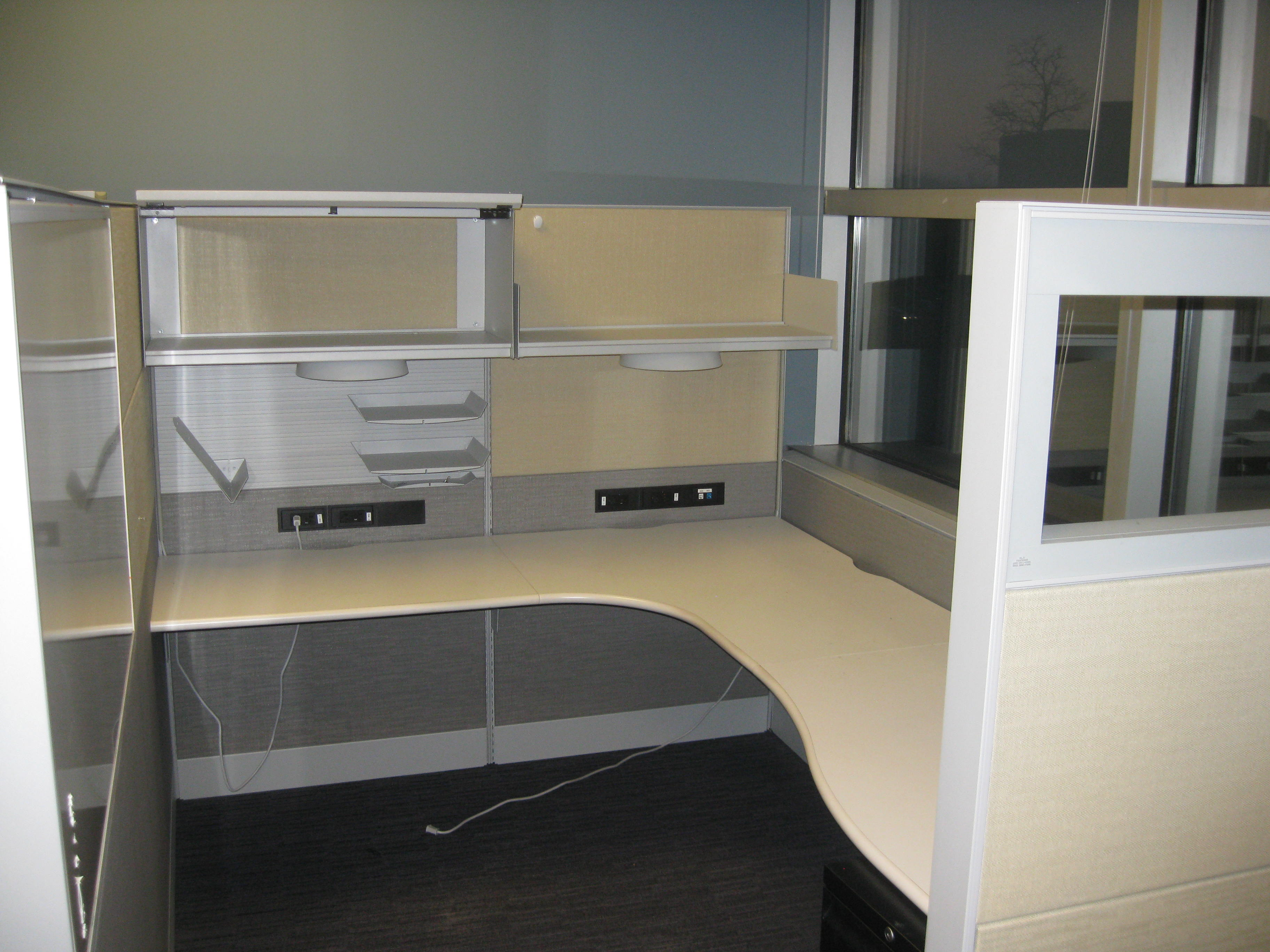 Pre Owned Teknion 6 215 8 Workstations Used Cubicles
