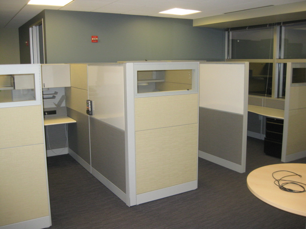 Office Furniture: Teknion 6×8 Cubicles