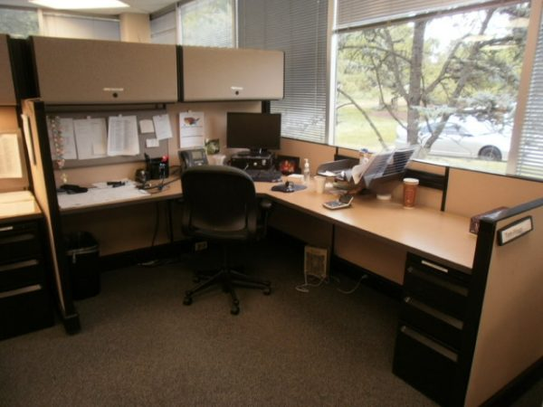 42 – Herman Miller AO-2 Cubicles