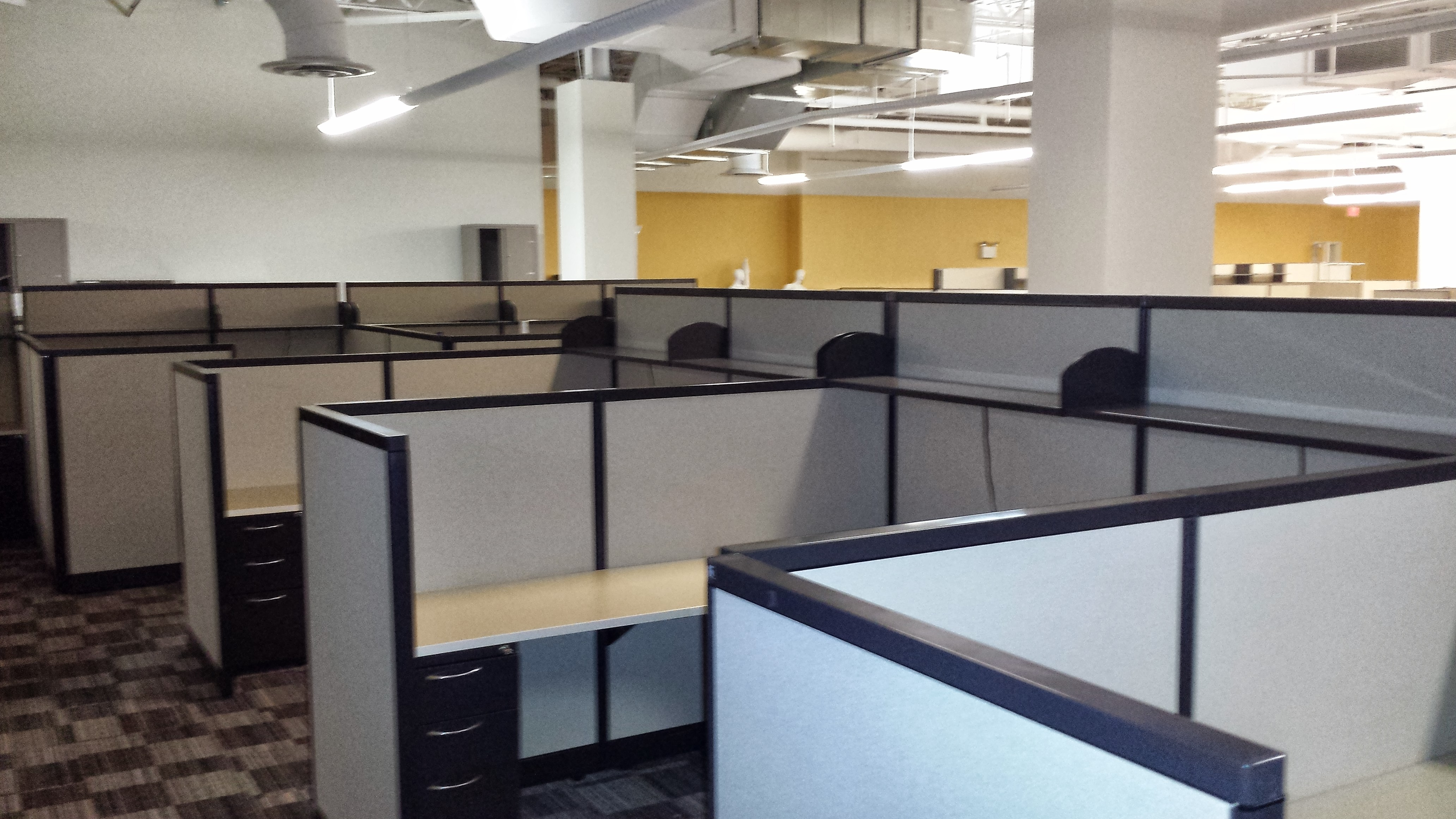 AIS M-Wall Used Office Cubicles